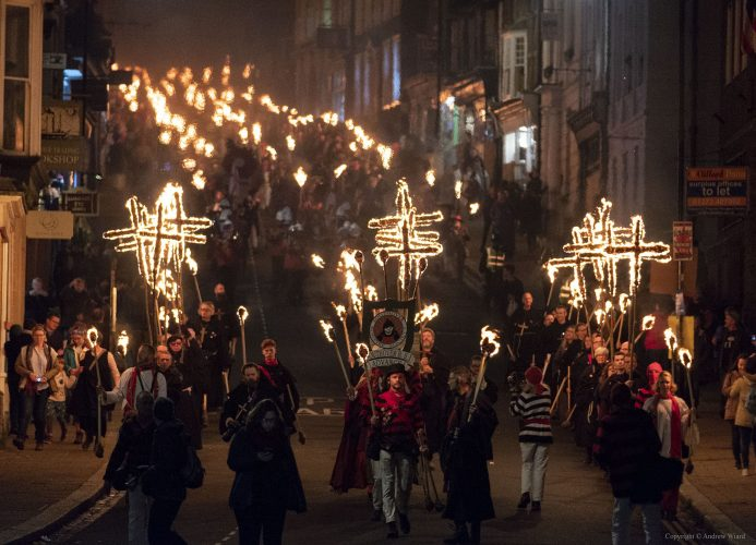 England, UK . 5.11.2018. Lewes . Lewes Bonfire. Procession of the Martyrs' Crosses, commemorating the 17 Protestant martyrs from Lewes burned at the stake for their faith during the 16th century persecutions of Mary 1st.