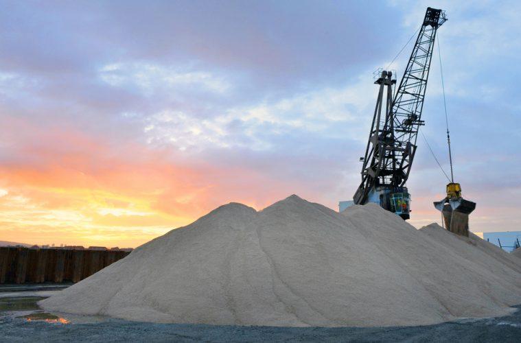 Emergency salt delivery for Transport for London.