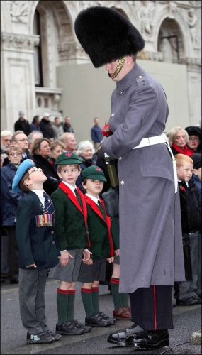PIC JON BOND ARMISTICE DAY AT CENOTAPH WHITEHALL