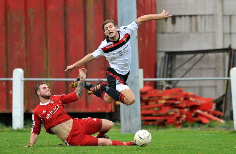 Walter C Parson Cup, 2nd Round, Saltash United v Tavistock.