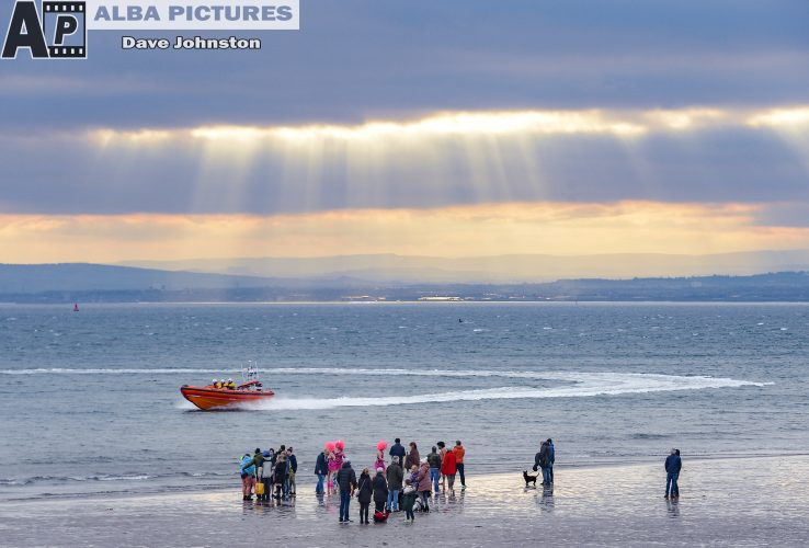 Kinghorn Loony Dook new years day swimmers, Wednesday 01 January 2020