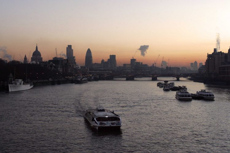 Dawn over London from Waterloo Bridge.Picture by Glenn Copus©