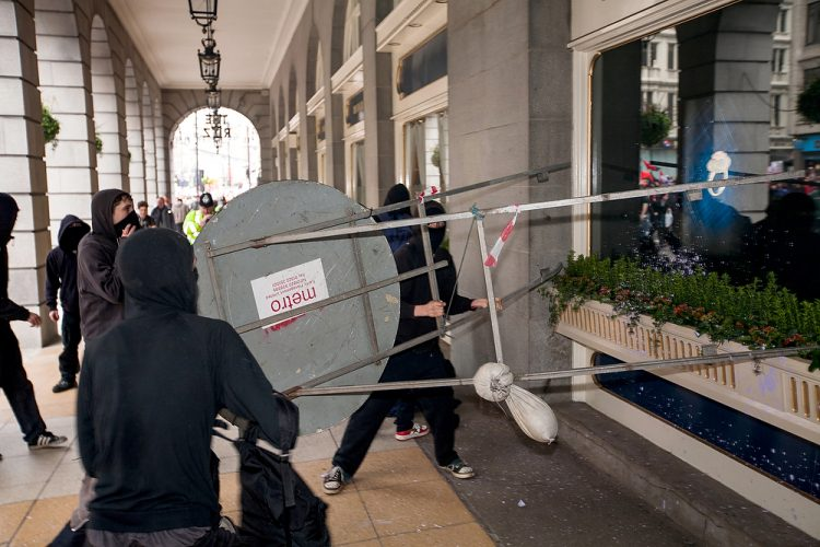 Anarchists run amok in central London as TUC march against cuts