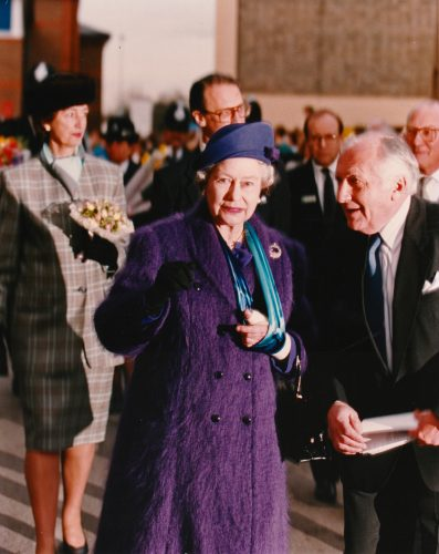 The Queen With Injured Arm Visits Mount Vernon Hospital 9403