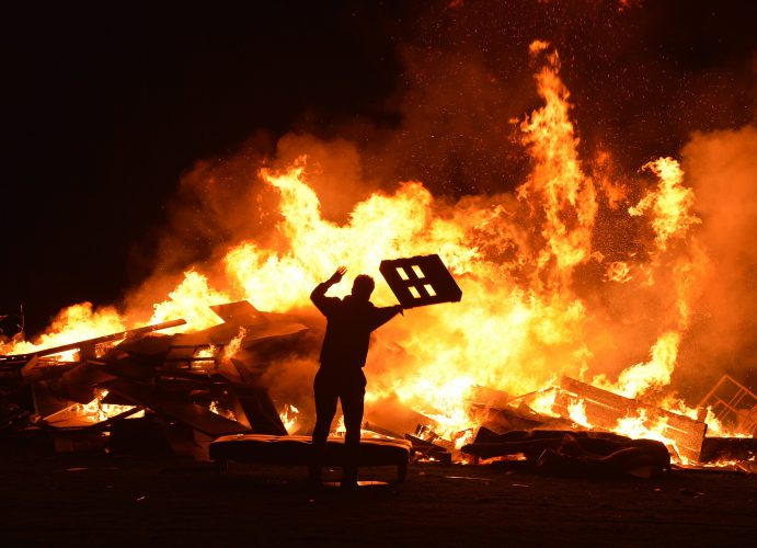 Unofficial bonfire in West Edinburgh, Thursday 05 November 2020
