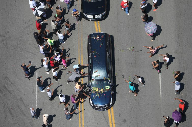 Muhammad Ali's hearse passes through Louisville, Kentucky 2016