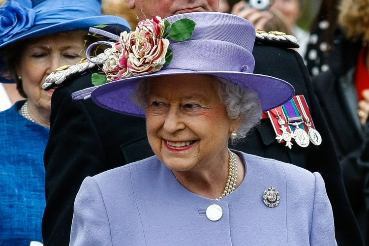 Her Majesty The Queen visiting The Argyll & Sutherlander Highlanders, 5th Battalion, Royal Regiment of Scotland, (5 SCOTS) at Howe Barracks, Canterbury on Friday 28th June. (c) MATT BRISTOW | StockPix.eu