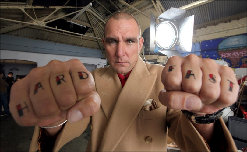 PIC JON BOND VINNIE JONES FILMING
