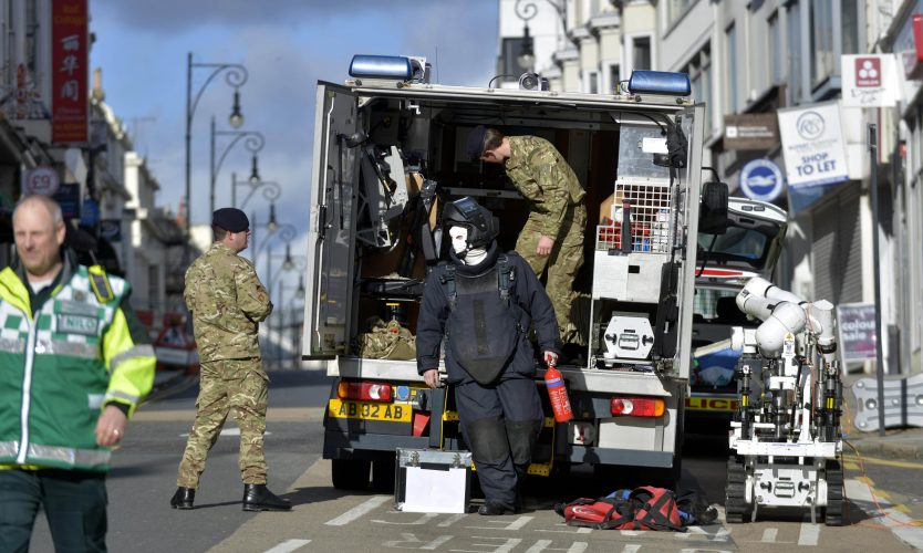 Bomb disposal at Queen's Road, Brighton as a suspect device was discovered at  the Army Careers Office in 2014  © Terry Applin
