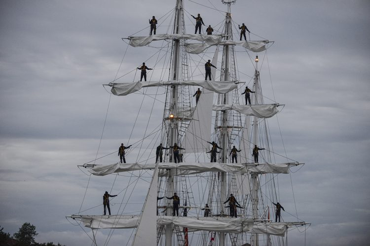 rr-TALL_SHIPS_EXTRAS_06